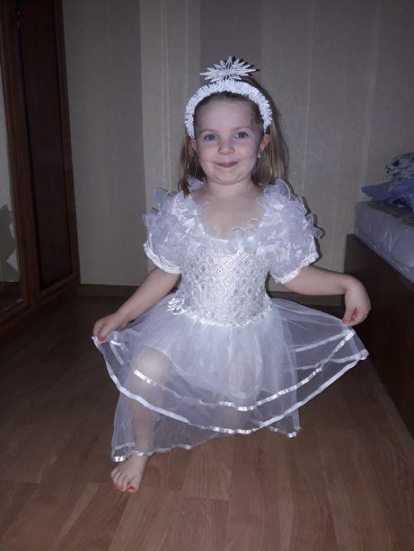 Продаю нарядне плаття на маленьку леді
