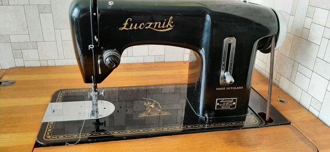 Maszyna do szycia Łucznik kl. 90 zabytek