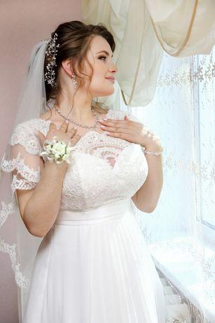 Продам свадебное платье в идеальном состоянии. Возможен торг.