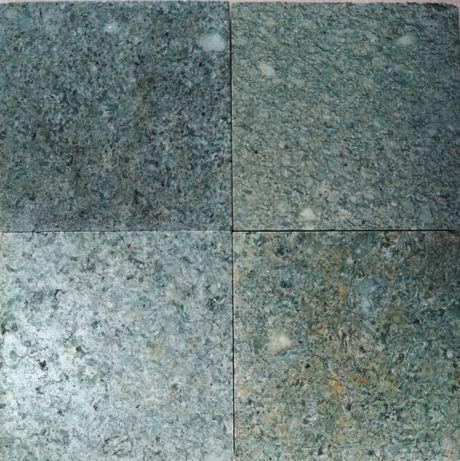 Pedra Hijau - Ladrilho 10x10cm