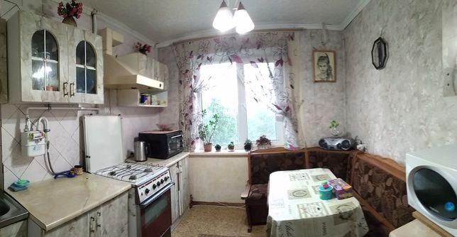 продаю 3х комнатную Космонавтов 140б