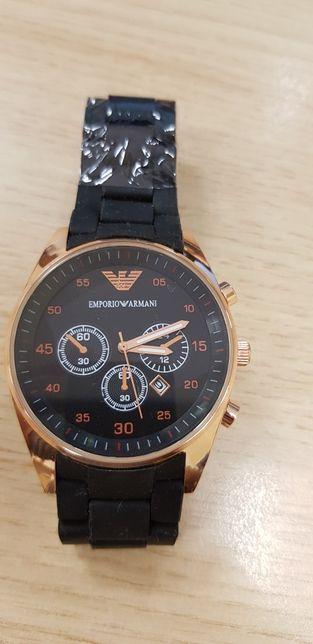 Zegarek uniwersalny armani black&gold gumowy pasek wygodny i elegancki