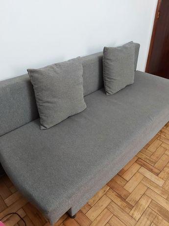 2 IKEA Sofá-cama de 3 lugares + 4 almofadas por €45