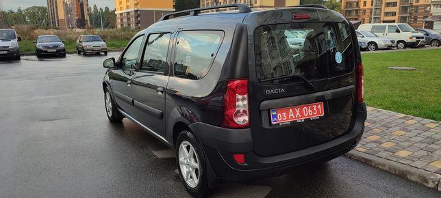 Продам Dacia Logan 7 mest