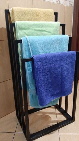 Stojak na ręczniki I papier toaletowy w stylu loft