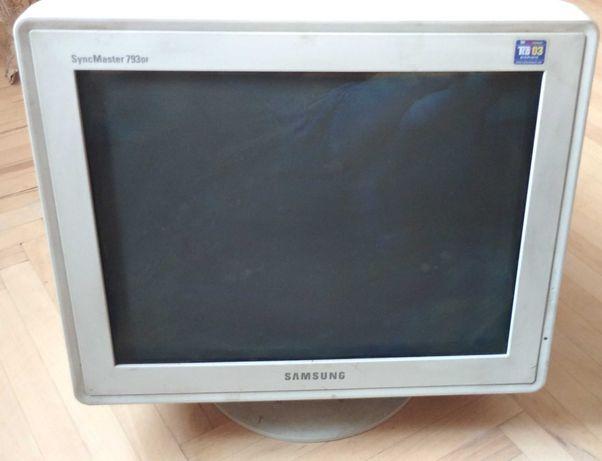 Монитор Samsung SyncMaster 793DF