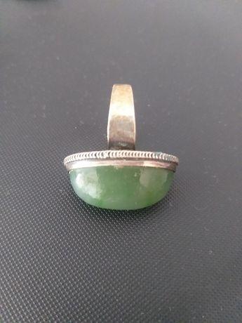 Stary srebrny pierścionek kopuła kopuła srebro nefryt Unikat