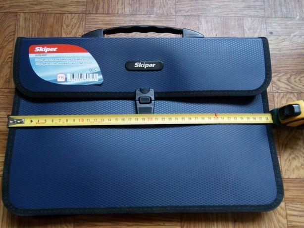Продам пластиковый портфель