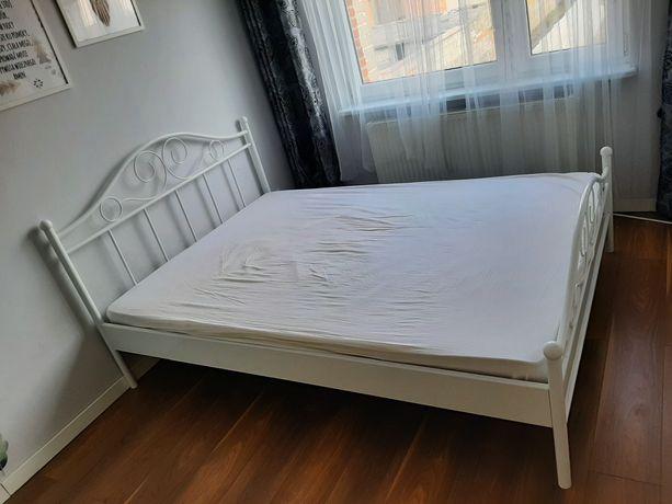 Sprzedam białe łóżko metalowe 140x200 bez materaca