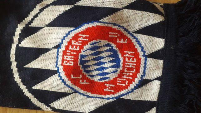 Szalik klubowy Bayern München, firma adidas