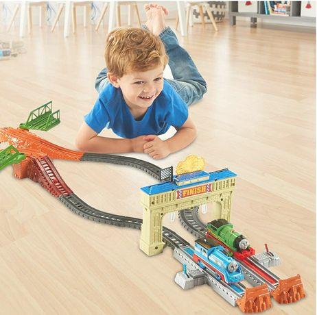 Детская железная дорога Fisher price паровозик Томас