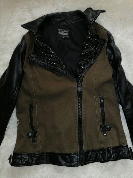 Курточка с натуральными кожаными вставками