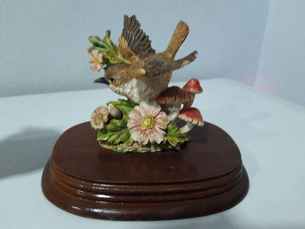 Статуетка пташка