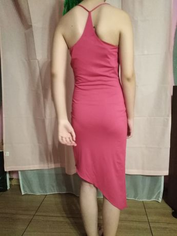 Ukosna sukienka różowa