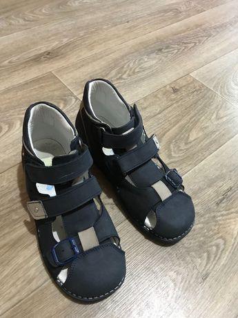 Ортопедические сандали 33 размер