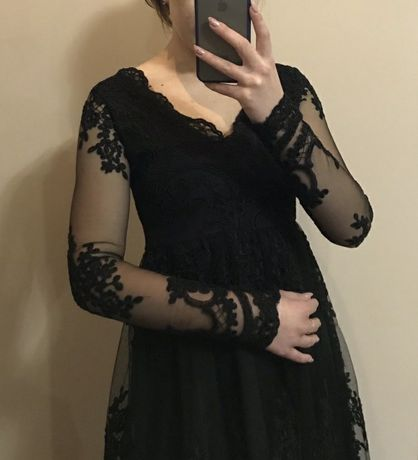 Жіноче чорне плаття
