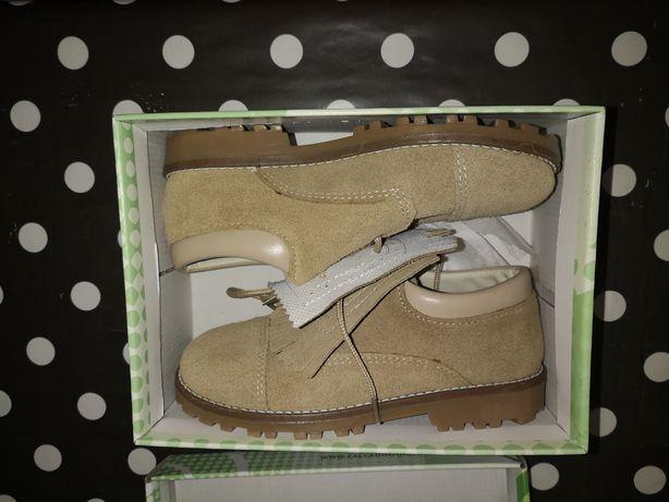 Sapatos menina em pele