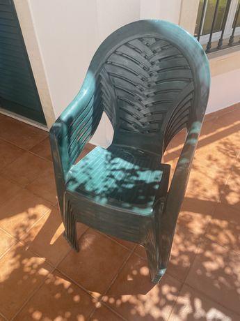Conjunto de 6 cadeiras de resina