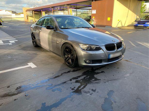 BMW E92 320D coupé