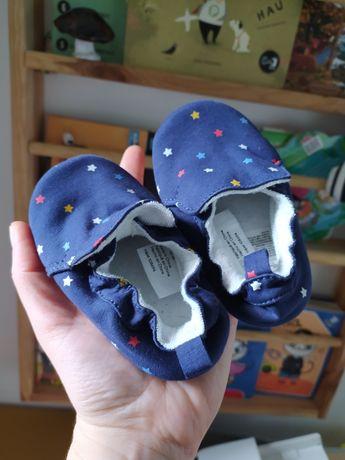 Paputki h&m rozmiar 20-21 nowe idealne papcie niemowlak w gwiazdki