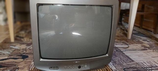 20 calowy kolorowy telewizor z pilotem SAMSUNG