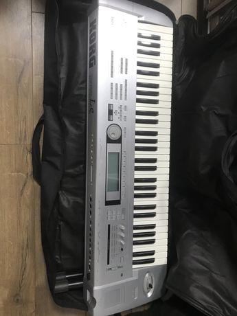 Продам концертный синтезатор Korg Triton Le