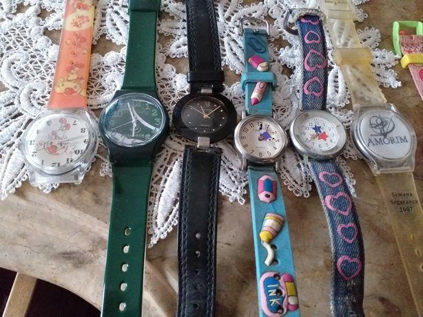 Várias marcas  de  relógios