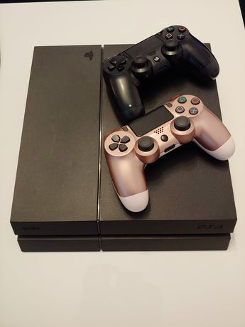 Playstation 4 Konsola PS4 +2pady, gry