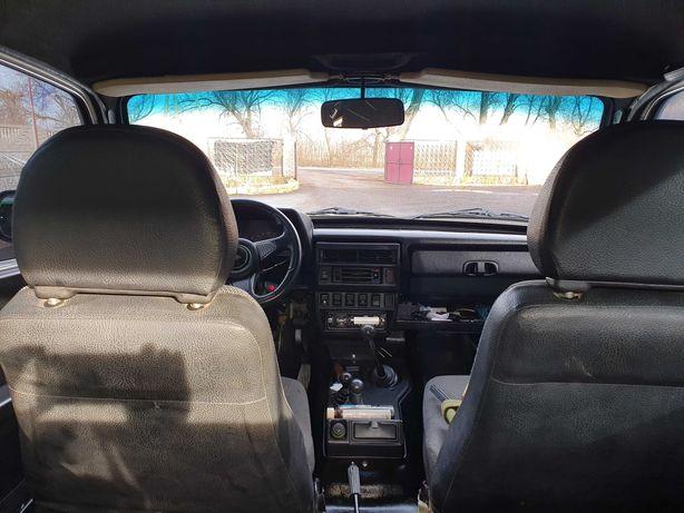 Автомобиль ВАЗ 21214