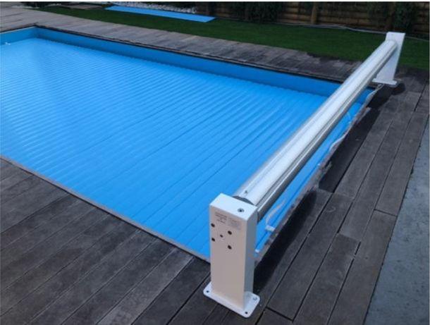 cobertura de segurança manual para piscina de laminas azuis 3x4m