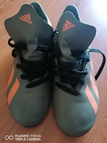 Sapatilhas de futebol novas adidas!!aproveitem