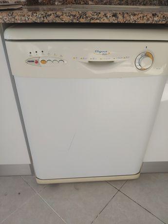 Máquina de Lavar Loiça Fagor