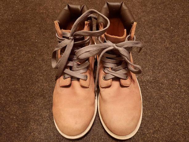 Продам весенние ботиночки, хорошего качества