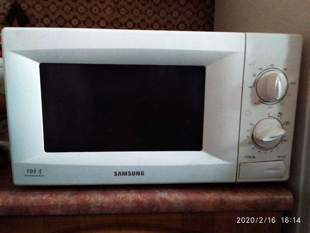 микроволновка Samsung под ремонт или на запчасти.