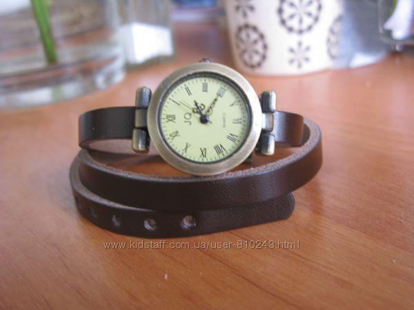 ретро-часы на длинном ремешке