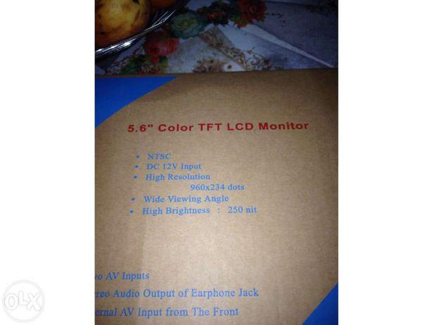 "LCD a cores de 5.6"""