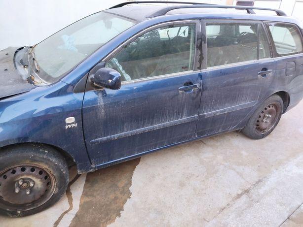 Toyota Corolla acidentado