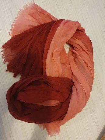 Czerwona chusta, apaszka