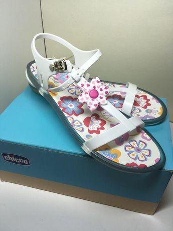 Резиновые босоножки сандали chicco