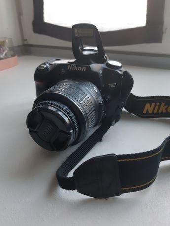 Зеркальный фотоаппарат Nikon D80