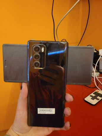 Lg wing obracany telefon