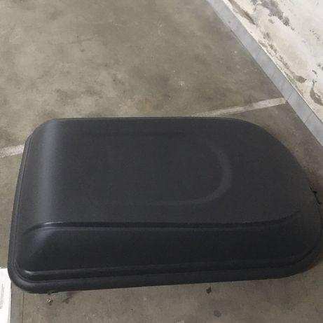 Bagageira com suportes para carro incluidos
