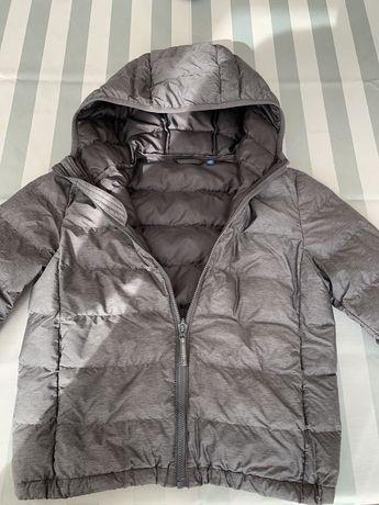 UNIQLO casaco de criança com capuz