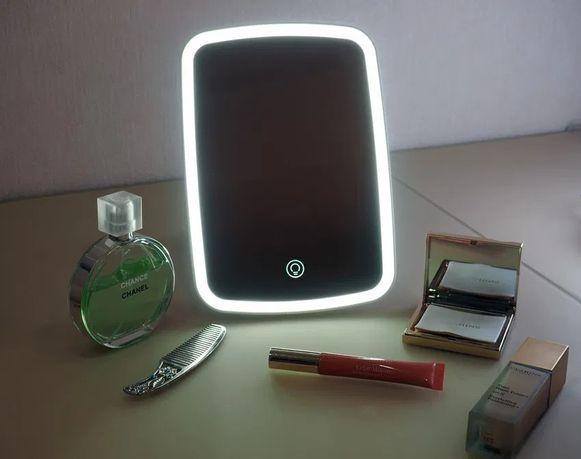 Зеркало для макияжа с подсветкой Jordan Judy