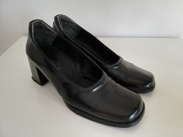Sapatos mulher preto - em bom estado! T.37