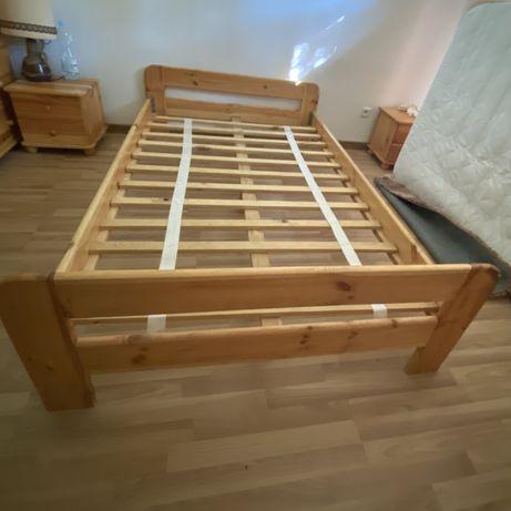 Łóźko drewniane