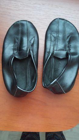 Продам кожаные чешки