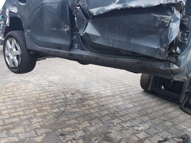 Próg progi lewy prawy słupek Dacia Sandero Stepway II