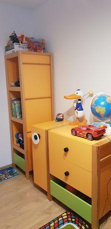 Wyposażenie pokoju dziecka (meble, łóżko, dywan)