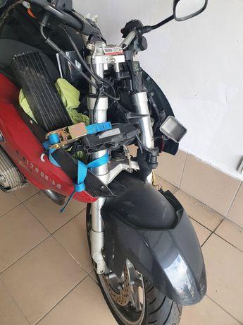 Motocykl bmw r1200st